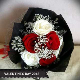 Valentine's Day Mixed Rose Bouquet