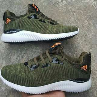 Snakers Adidas Alphabounce