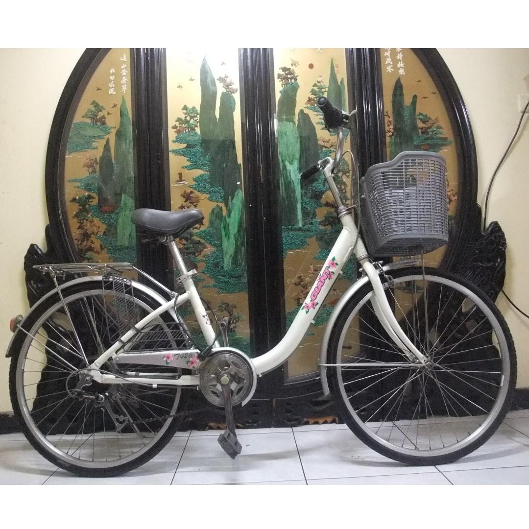 鋁合金24吋捷安特GIANT白色(t426)shimano 6段變速腳踏車.桃園市自取.aluminum bike