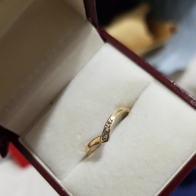 9ct gold with diamonds band