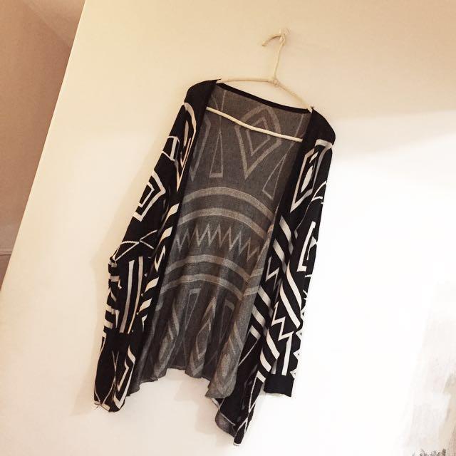 黑白幾何圖罩衫