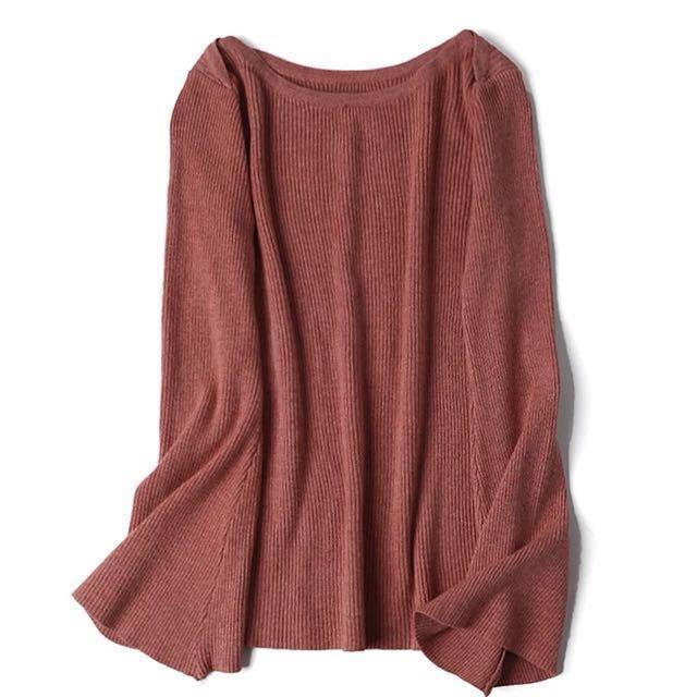 喇叭袖磚紅針織上衣