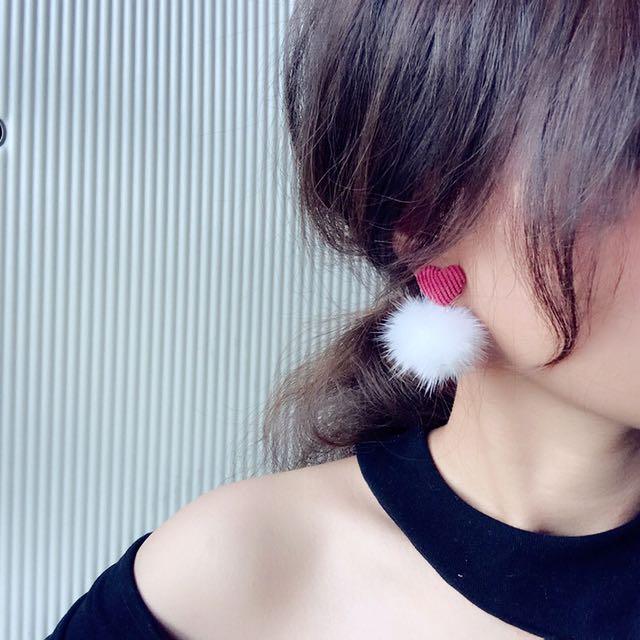 韓國飾品 水貂毛球球愛心耳夾耳環