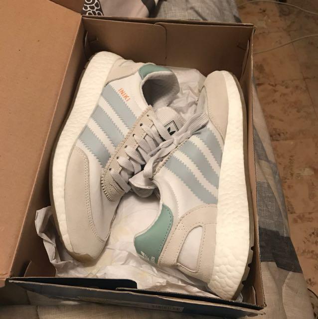 Adidas womens iniki size 6.5