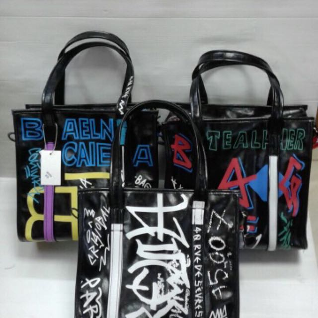 Balenciaga Graffiti shopper