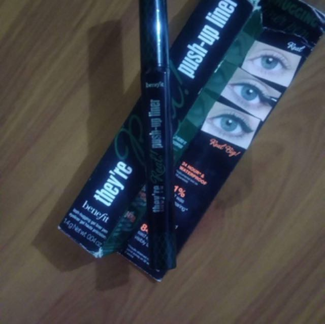 Benefit push up liner  Color:Green