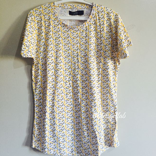 🌸Bershka Yellow Black Small Flower Printed Overrun tees t shirt