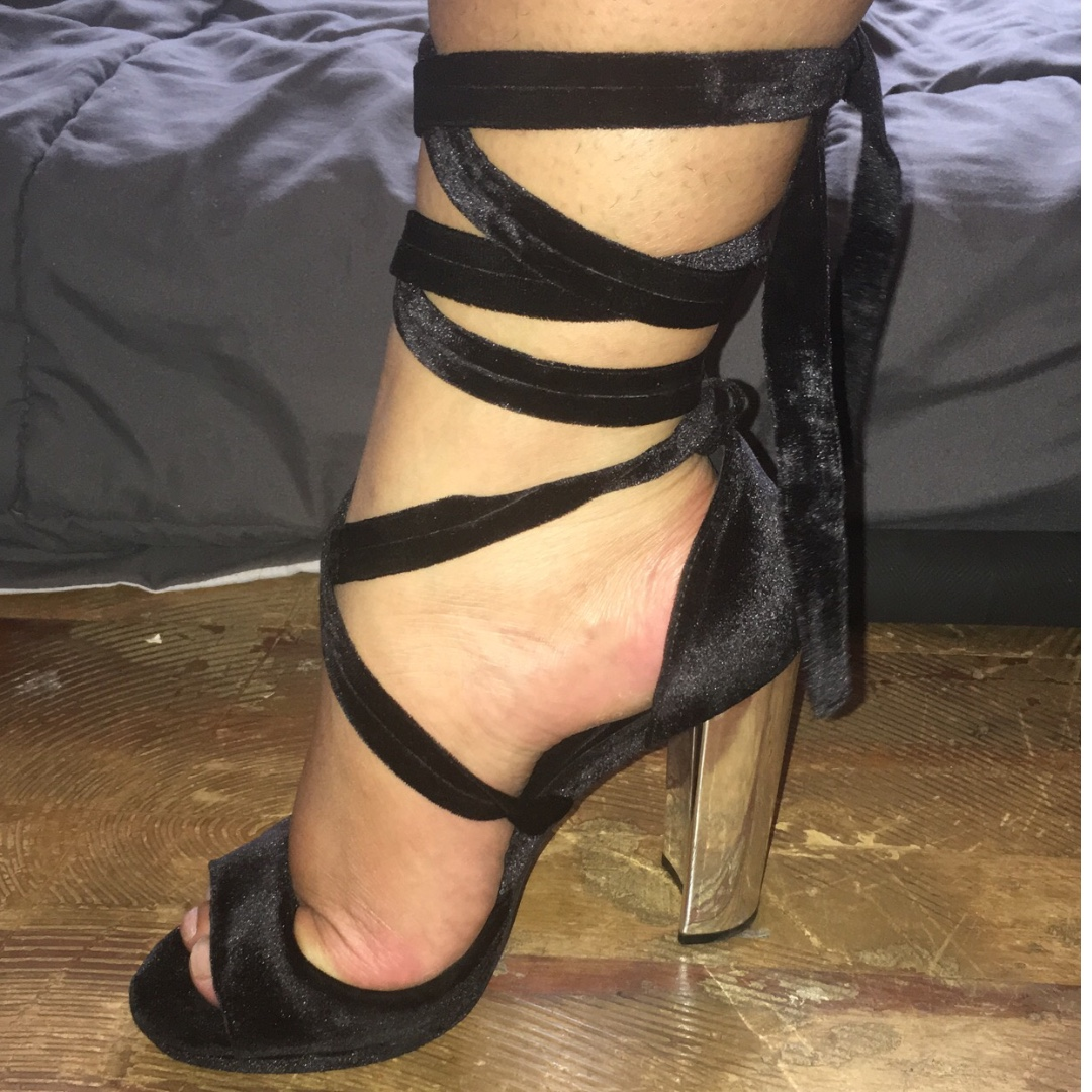 Black tie up heels