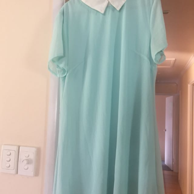 Boohoo mint dress