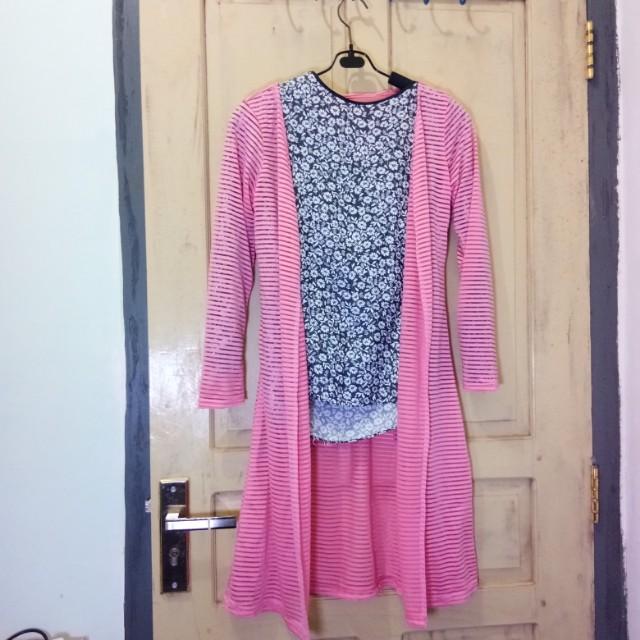 Bundling stripes long cardi and flower blouse