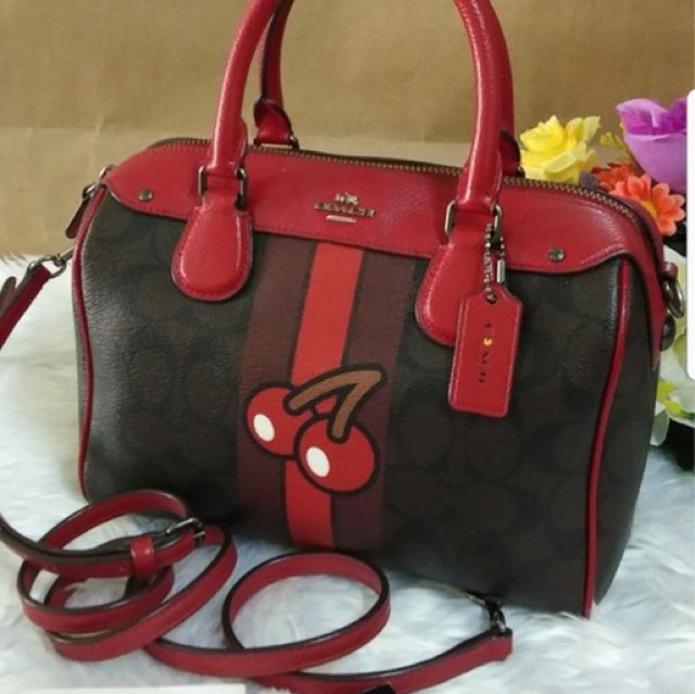 Coach mini made in Vietnam