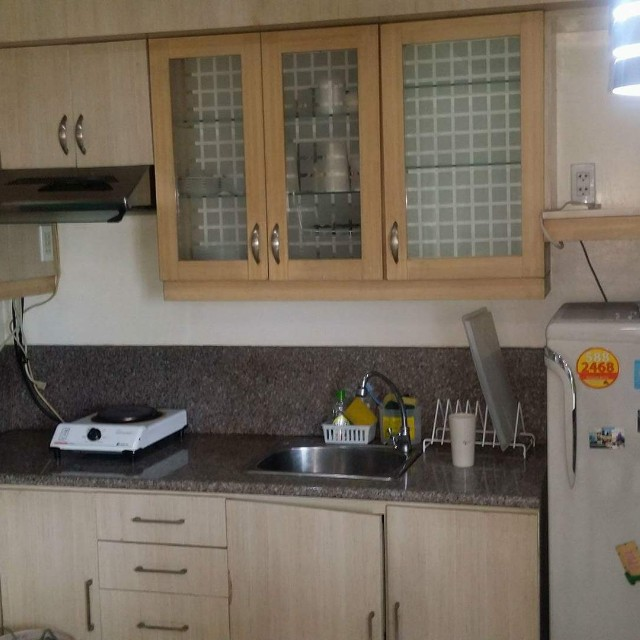 3BR Condo near GMA network with Parking