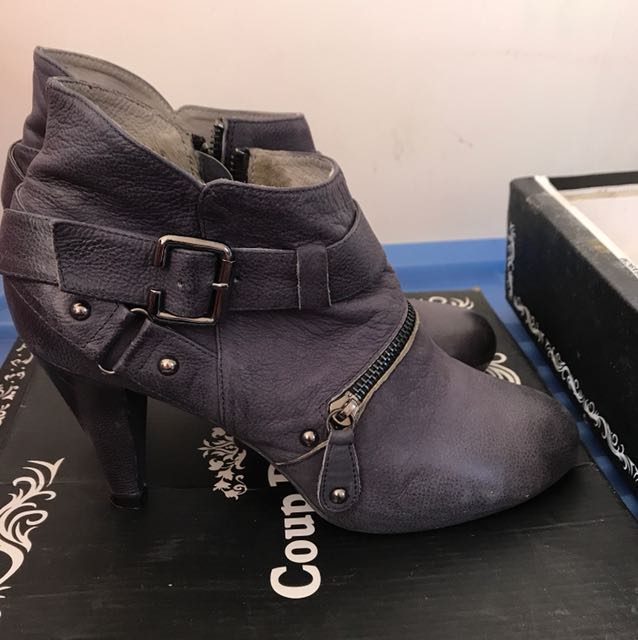 Coup de foudre navy style boots size 41