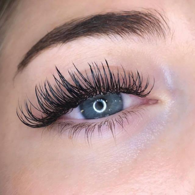 Eyelash Extensions, Lash Lifts & Lash tint