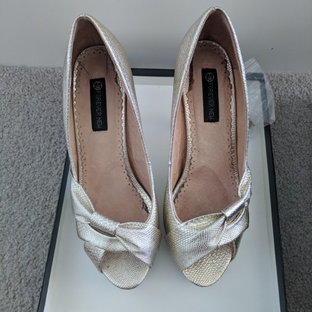 Forever New Gold Peep Toe Heels Size 7