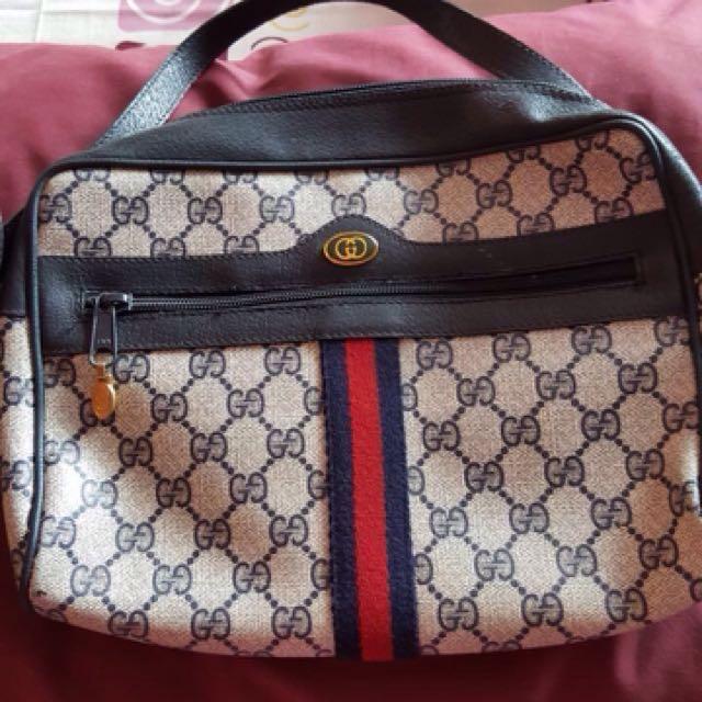 GUCCI slingbag original