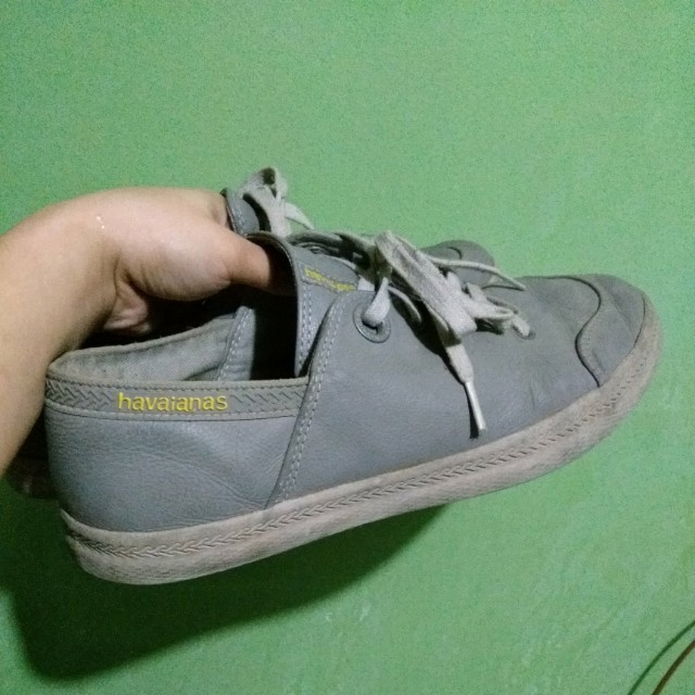 Havainas sneakers size 9.5