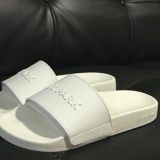 Ivy Park white slides size 9.5