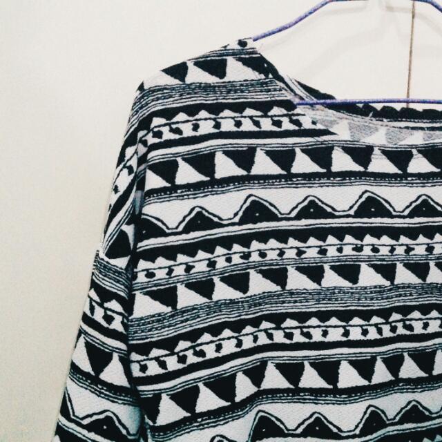 Knitted Longsleeved Crop Top