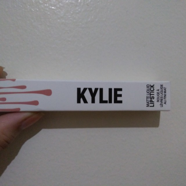 Kylie Matte Liquid Lipstick in Maliboo