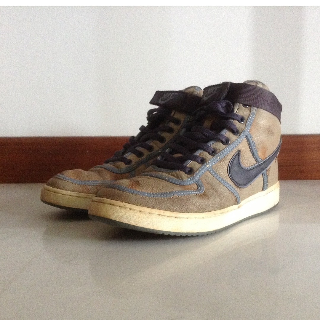 Citazione autostrada calpestio  Limited edition Nike shoes/ leather sneakers/ Nike Sneakers/ Nike Shoes/  Rustic Look Design, Men's Fashion, Footwear, Sneakers on Carousell