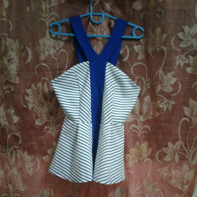 MIROU blue pattern top