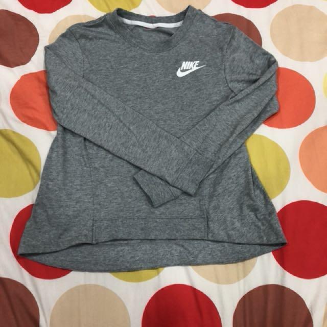 Nike前短後長經典說Logo上衣
