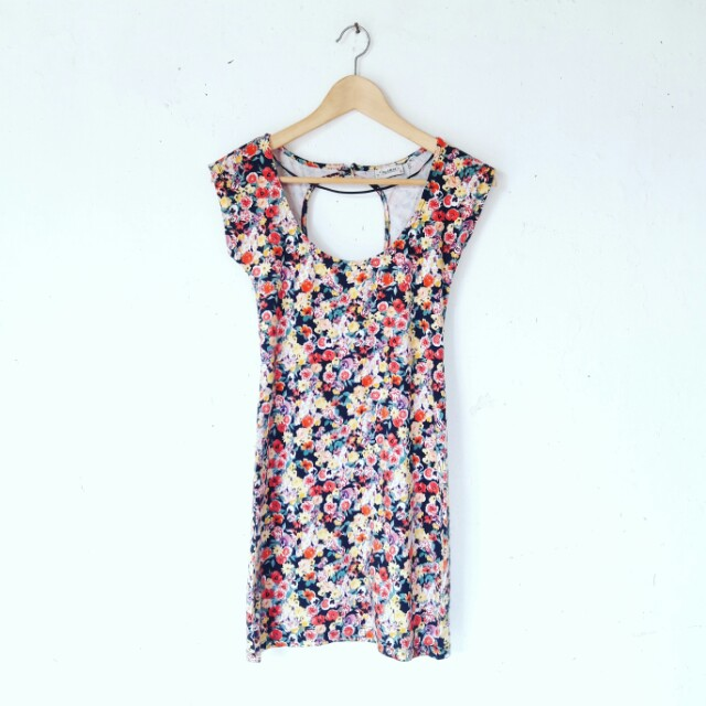 Pull & Bear Floral Bodycon Drrss