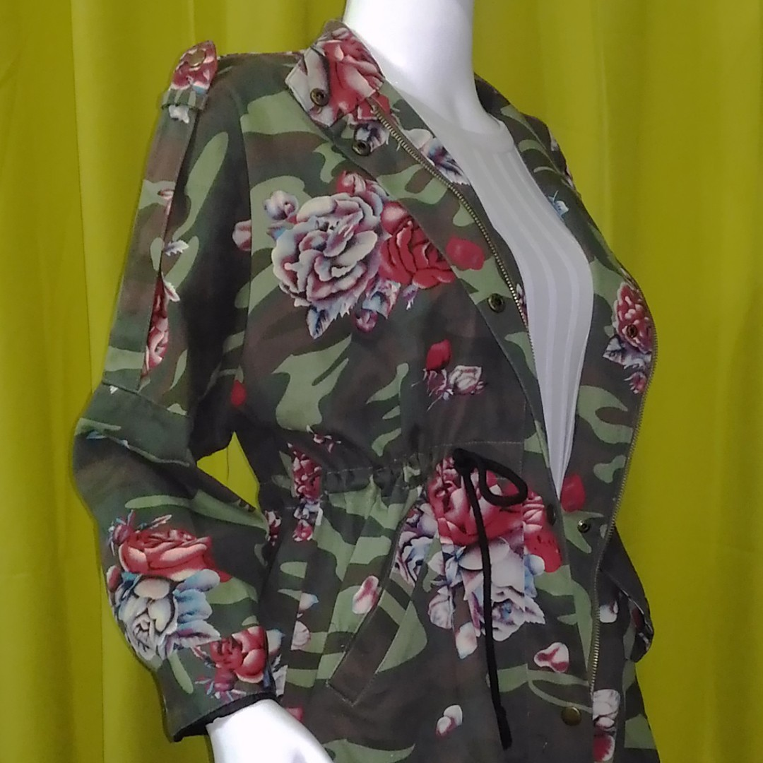 Rose and Camo Print Parka ( Free Shipping )