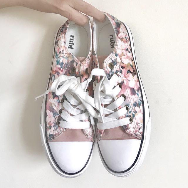 Rubi: Pink florals