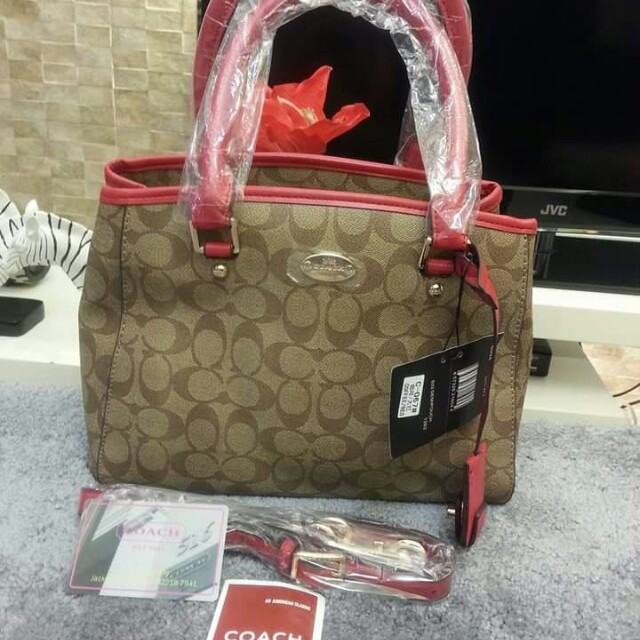 SALE SALE SALE!!! HIGH END QUALITY  #Assorted wallet #COACH BAG #KATE SPADE BAG Only the boxes are damage; some items have no box. Paunahan lng po. No reservation.  Payment first policy.  Actual photo, what u see is what u get.