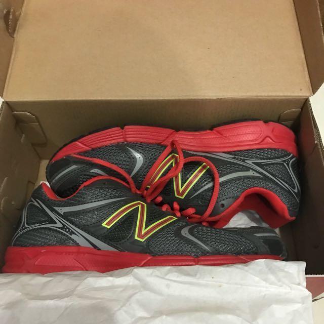 Sepatu lari/running NB (new balance)