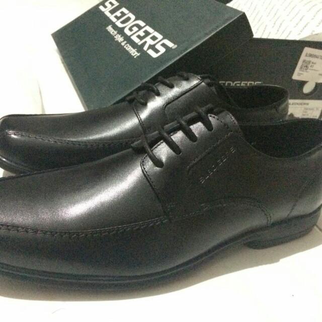 Sepatu Sledger