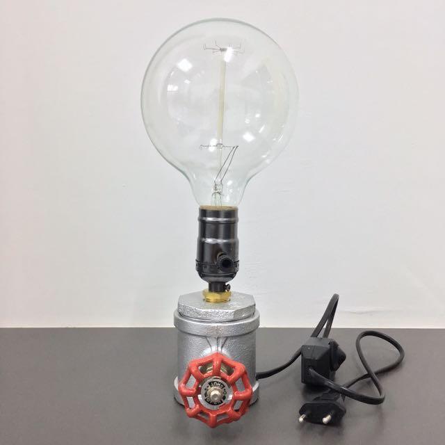 Thinking Lamp Décor