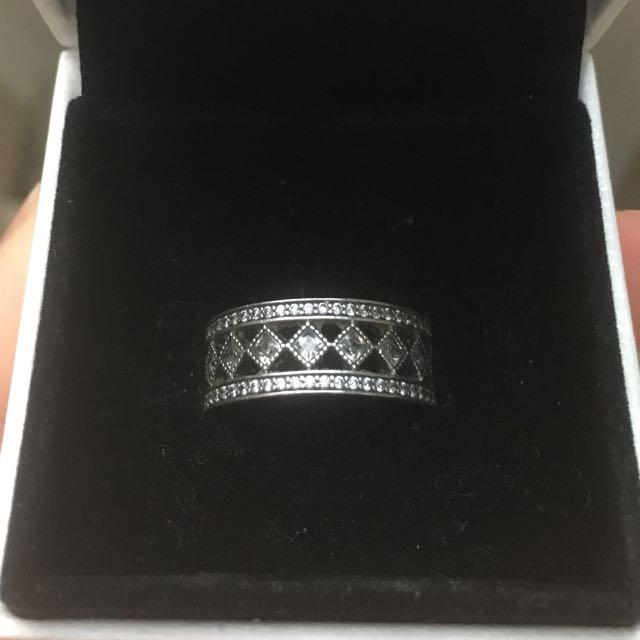 Vintage fascination pandora ring