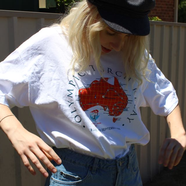 White Baggy / Oversized Australian Shirt