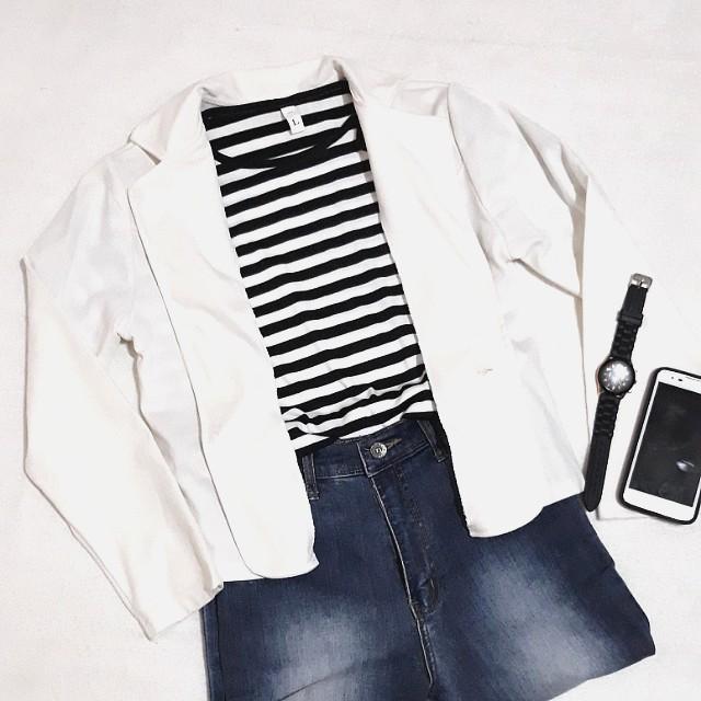 White korean inspired blazer