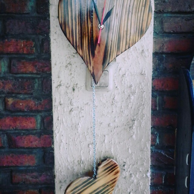 Wooden wall clock - Heart Style