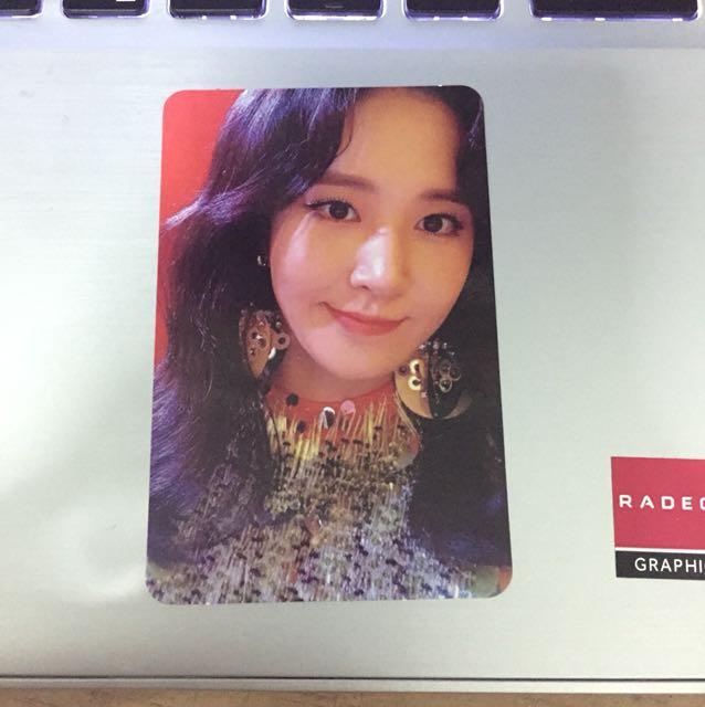 Yuri SNSD photocard