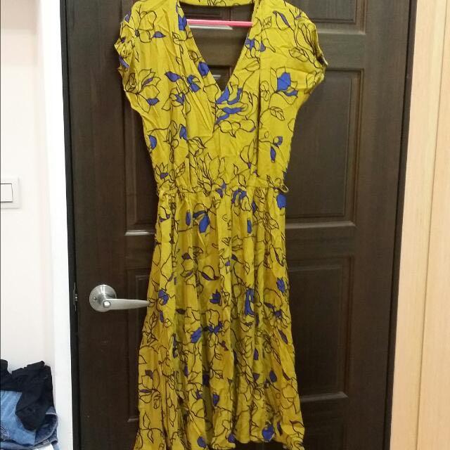 zara   露背洋裝