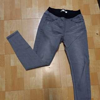 灰色彈性長褲