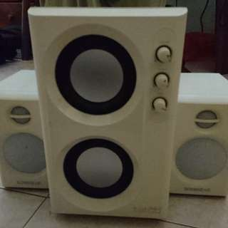 SonicGear 2.1 speakers (with huge bass)