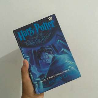 Harry Potter and the Order of the Phoenix (Harry Potter dan Orde Phoenix) by J.K. Rowling (Hardcover)
