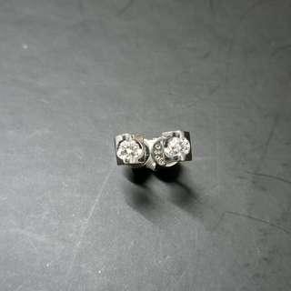 周生生鑽石耳環