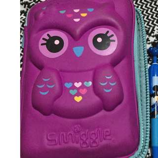 Authentic Smiggle hardtop pencil case