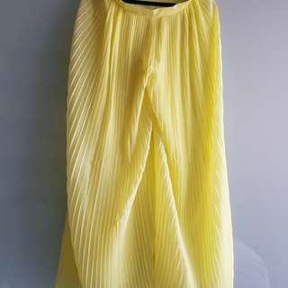 ZARA yellow pleated wide leg pants in size S
