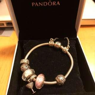 PANDORA bracelet (7 Charms + bracelet)