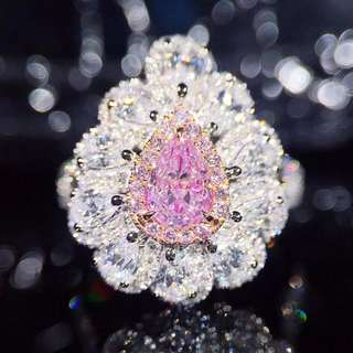 18K白金 梨型粉鑽 豪華鑲嵌鑽石戒指