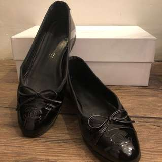 Chanel flats authentic size 36 1/2 (pm me for more detail)