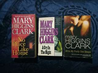 Mary Higgins Clark book bundle 2